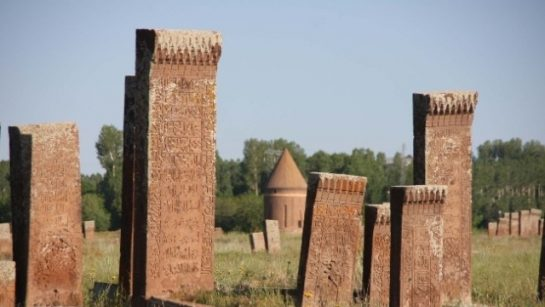 Büyüklerin Mezar Ziyareti Hakkındaki Görüşleri
